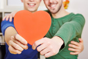 Gleichgeschlechtliche Ehepartner dürfen dauerhaft in Rumänien bleiben