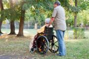 Die Arbeit als Altenpfleger im Heim gilt nicht als selbstständige Tätigkeit