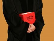 Kein Ergänzungspfleger wegen fehlender Kenntnis über Ausländerrecht
