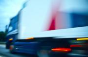 Ohne grüne Plakette in Umweltzone mit Laster