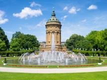 Wasserturm in Mannheim (© eyetronic / Fotolia.com)