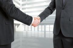 Vertragsschluss mit Handschlag (© Peshkov - Fotolia.com)