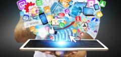 Einfluss des Internets auf vielfältige Rechtsgebiete (© Sdecoret - Fotolia.com)
