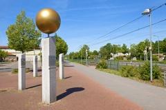 Planetenpfad mit Begrüßungsstele in Garbsen (© BildPix.de - Fotolia.com)