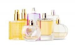 Verschiedene Kosmetik-Artikel (© BillionPhotos.com - Fotolia.com)