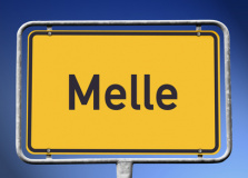 Ortsschild Melle (© kamasigns - Fotolia.com)