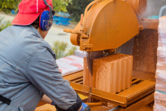 Lärmschutz auf der Baustelle (© Gina Sanders - Fotolia.com)