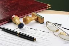 Schreibtisch eines Notars (© Pfpgroup - Fotolia)