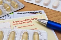 Krankenschein eines Arbeitnehmers (© euro downer-Fotolia.com)