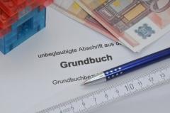 Abschrift aus dem Grundbuch (© Michael Ebardt - Fotolia.com)
