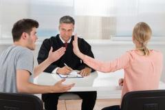 Streit um die Folgen der Ehescheidung (© Andrey Popov - Fotolia.com)