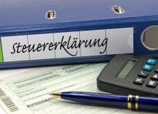 Steuererklärung eines Unternehmens (© M. Schuppich - Fotolia.com)
