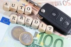 Kauf eines Autos auf Kredit (© PhotographyByMK - Fotolia.com)