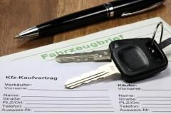 Autorecht und Kaufvertrag (© Björn Wylezich - Fotolia.com )