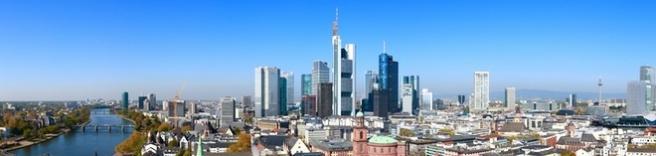 Rechtsanwälte in Frankfurt Main (© Branko Srot / Fotolia.com)