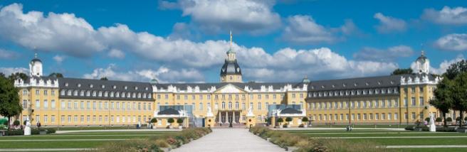Schloss in Karlsruhe (© chbaum - Fotolia.de)