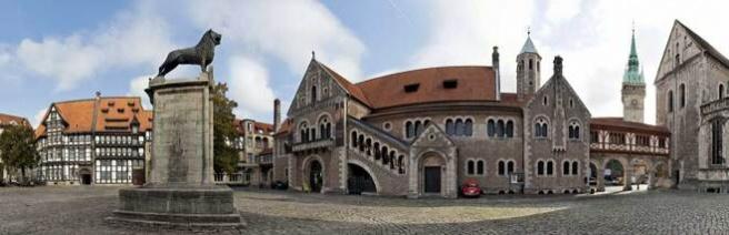 Rechtsanwälte in Braunschweig (Burgplatz) (© Blickfang - Fotolia.com)