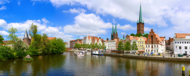 Rechtsanwälte in Lübeck (© Wolfgang Jargstorff - Fotolia.com)