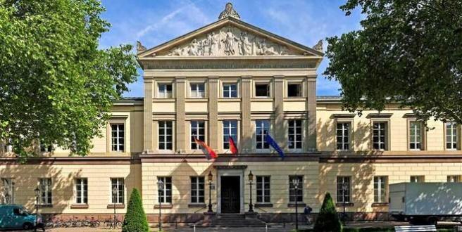 Rechtsanwälte in Göttingen (Juristische Fakultät) (© Bildpix.de - Fotolia.com)