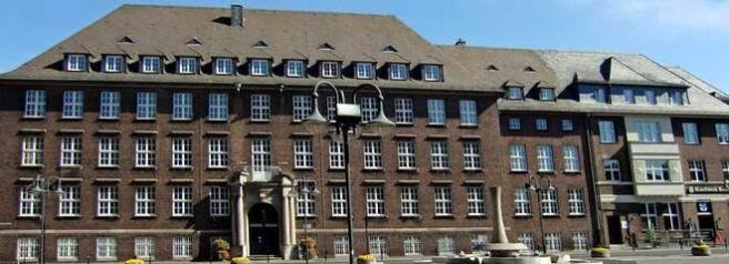 Rechtsanwälte in Bottrop (Rathaus) (© ErnstPieber - Fotolia.com)