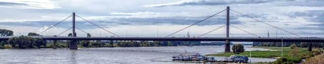 Rechtsanwälte in Leverkusen (Brücke der Autobahn) (© Pro-Patho - Fotolia.com)
