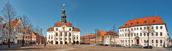 Rechtsanwälte in Lüneburg (© thorabeti - Fotolia.com)