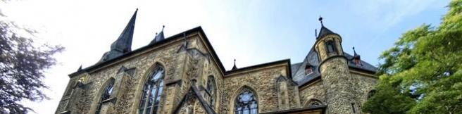 Rechtsanwälte in Ratingen (hier St. Peter Kirche) (© schlichteasy - Fotolia.com)
